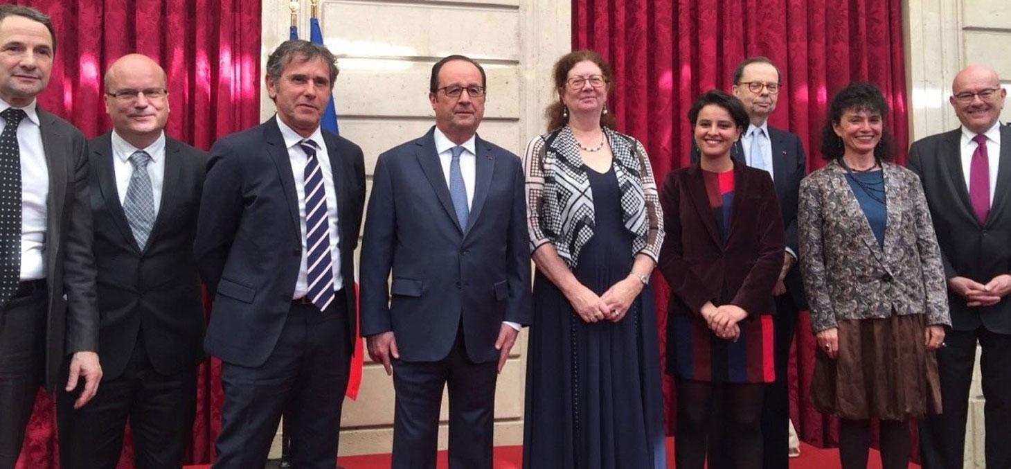 Cérémonie officielle IDEX à l'Elysée : de gauche à droite : T. Mandon, Ch. Sorger, P. Lévy, F. Hollande, L. Dumasy, N. Vallaud-Belkacem, L. Schweitzer, B. Plateau, JM Rapp