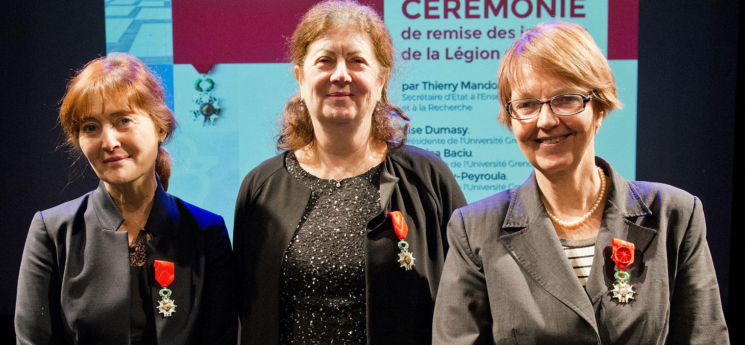 Monica Baciu, Lise Dumasy et Eva Pebay-Peyroula décorées de la Légion d'Honneur