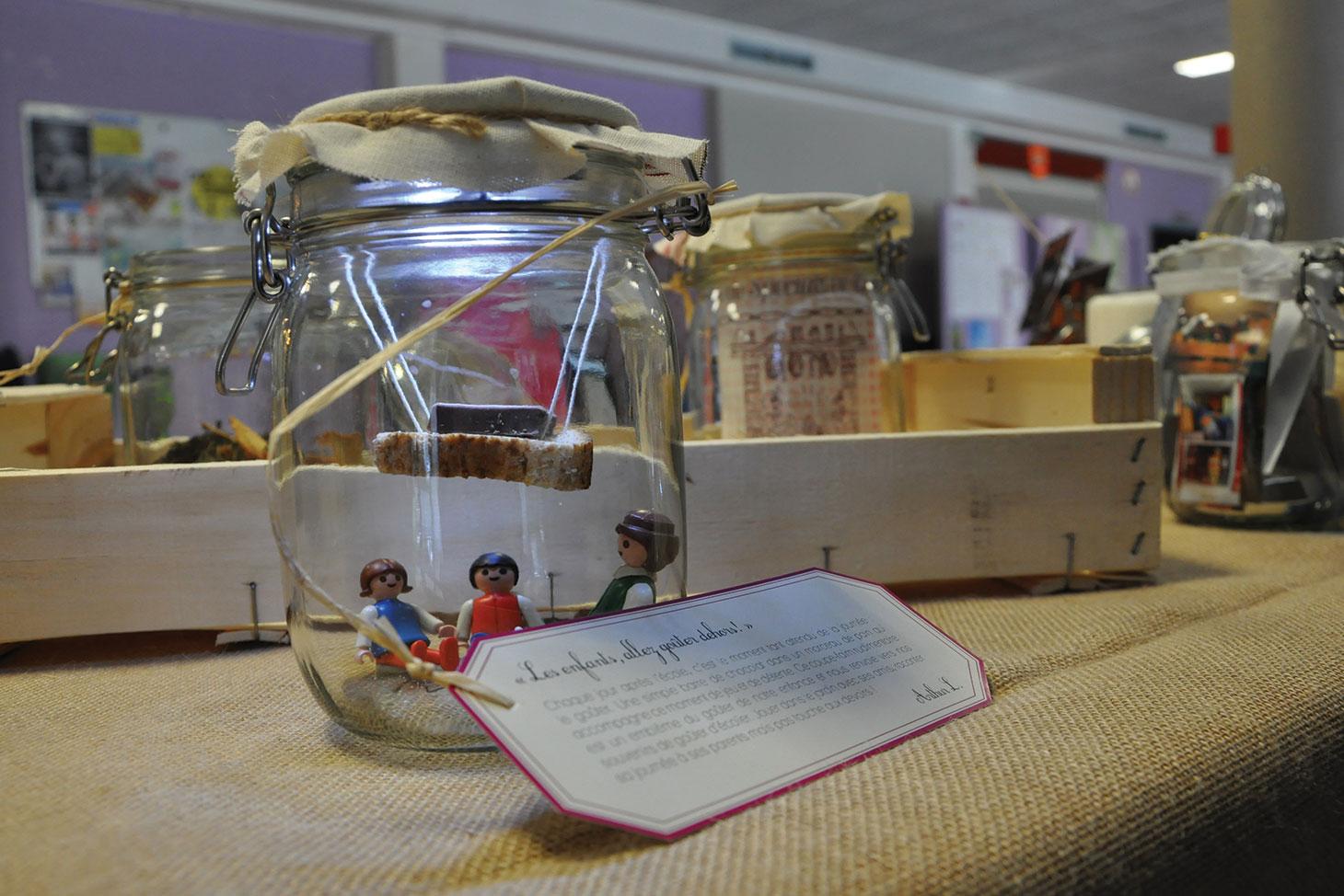 Exposition Souvenirs alimentaires, instant sous verre