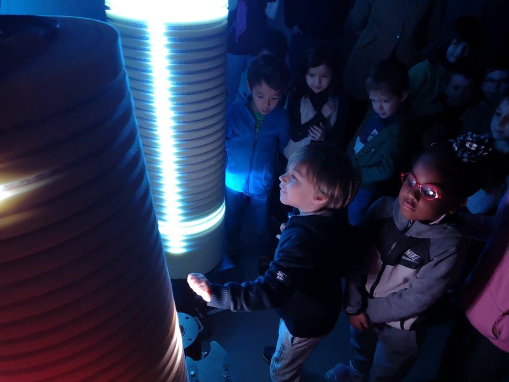 Hitbox présenté aux enfants lors d'une visite des Savanturiers au CRI. les-savanturiers.cri-paris.org