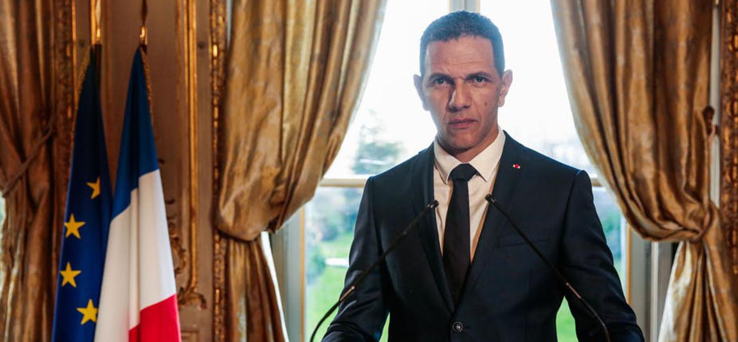 Roshdy Zem est Idder Chaouch, un président d'origine maghrébine au coeur d'une puissante intrigue familiale dans la série Les Sauvages, Canal +. Allociné