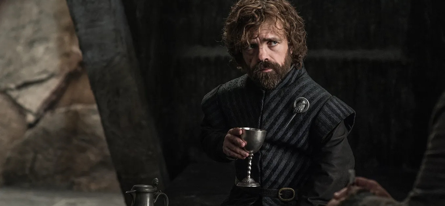 Tyrion Lannister (Game of Thrones), inséparable de son verre de vin. Et vous ? HBO - DR