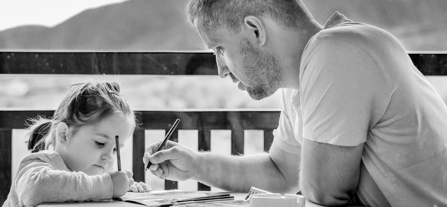 Le confinement est l'occasion d'inventer de nouvelles manières de communiquer dans la famille séparée. Daniela Dimitrova / Pixabay, CC BY