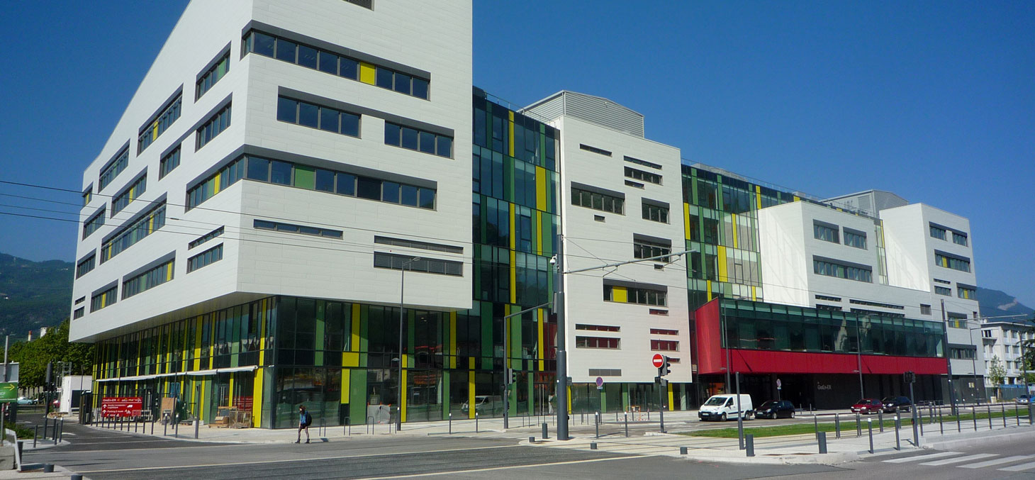 Le bâtiment GreEn-ER rue des Martyrs à Grenoble, abritant l'école nationale supérieure de l'énergie, l'eau et l'environnement, ainsi que le G2E lab (Grenoble Electrical Engineering). Wikipedia