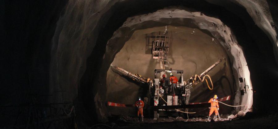 Exploitation souterraine à la mine El Teniente, l'un des plus grands gisements de cuivre au monde