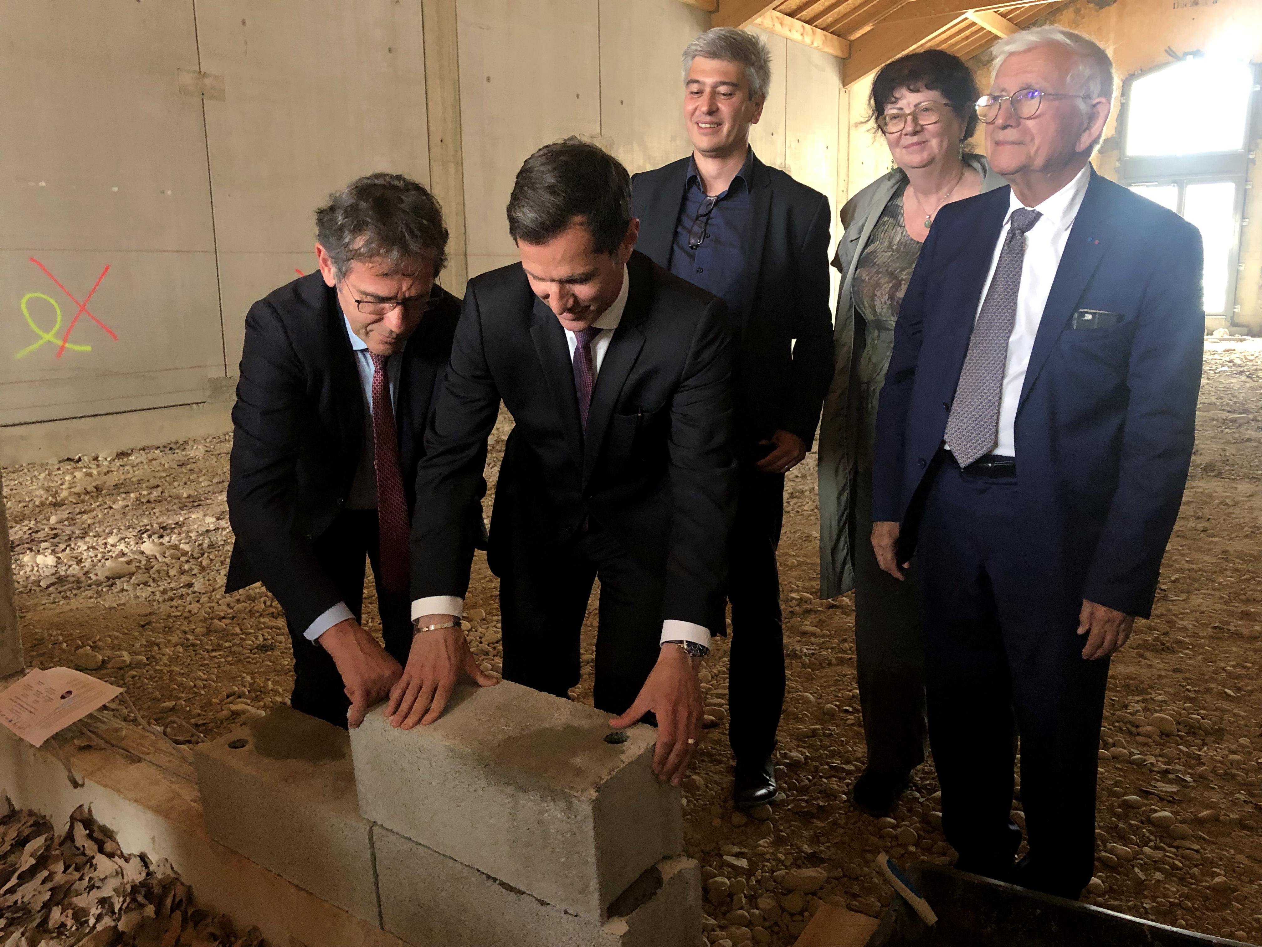 Pose de la première pierre du Learning Center sur le site valentinois de l'Université Grenoble Alpes