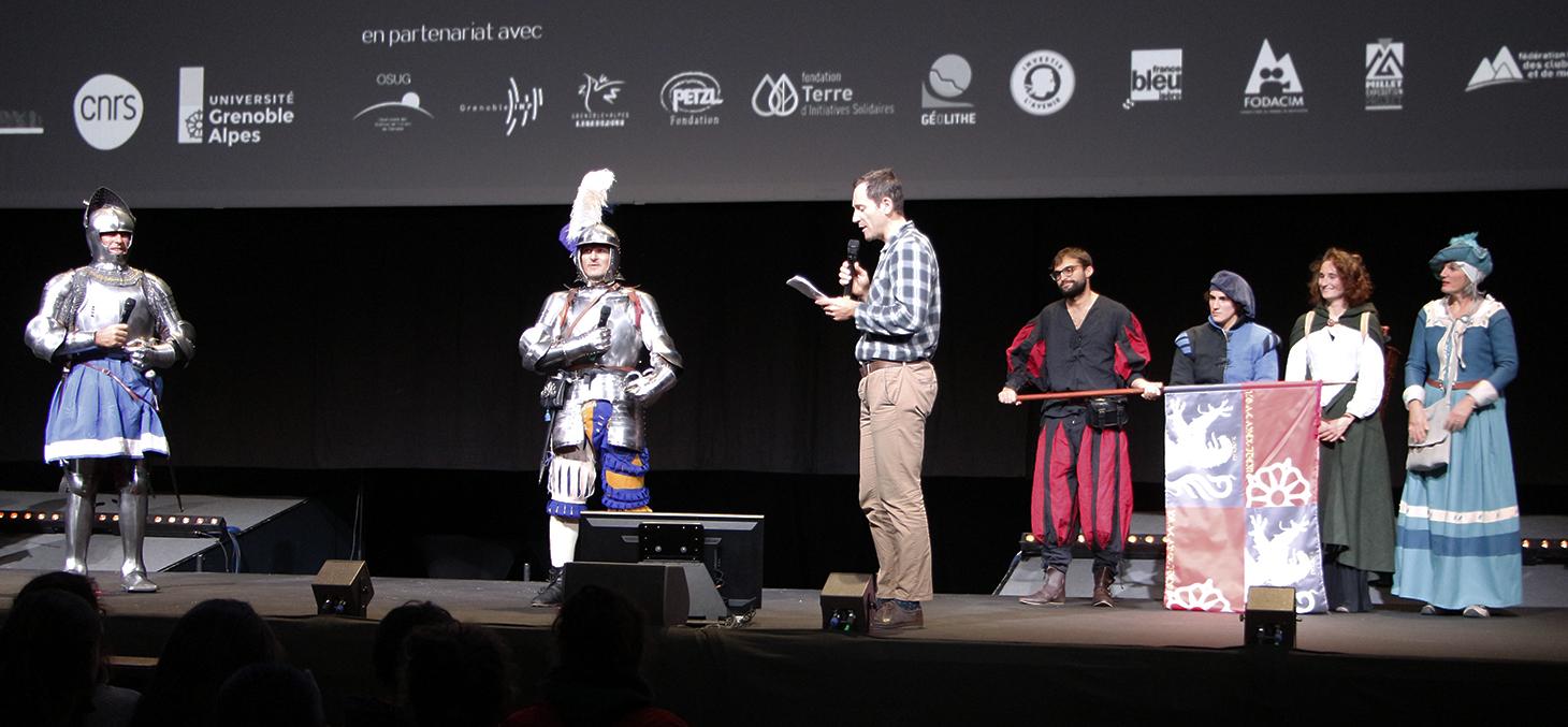 Les chevaliers de Marchalp sur la scène des Rencontres Montagnes et Sciences