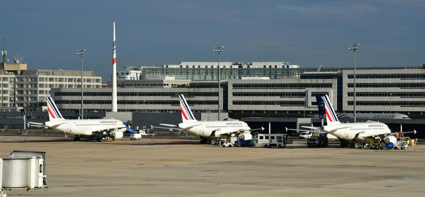 À Roissy, le 24 mars 2020. Les plans de relance massifs post-Covid devraient permettre à l'aérien de redécoller. Shutterstock