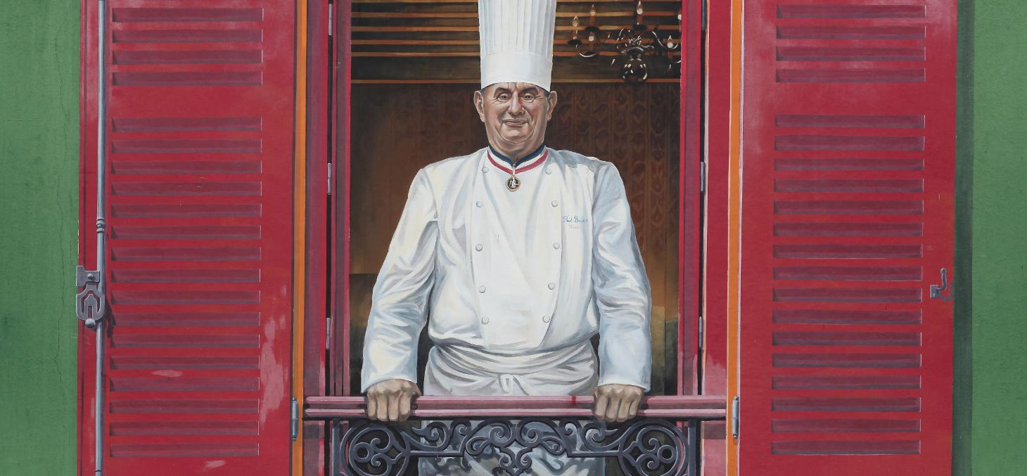 """""""L'auberge du Pont de Collonges, restaurant lancé par le chef Paul Bocuse, près de Lyon, a perdu sa troisième étoile. Shutterstock"""