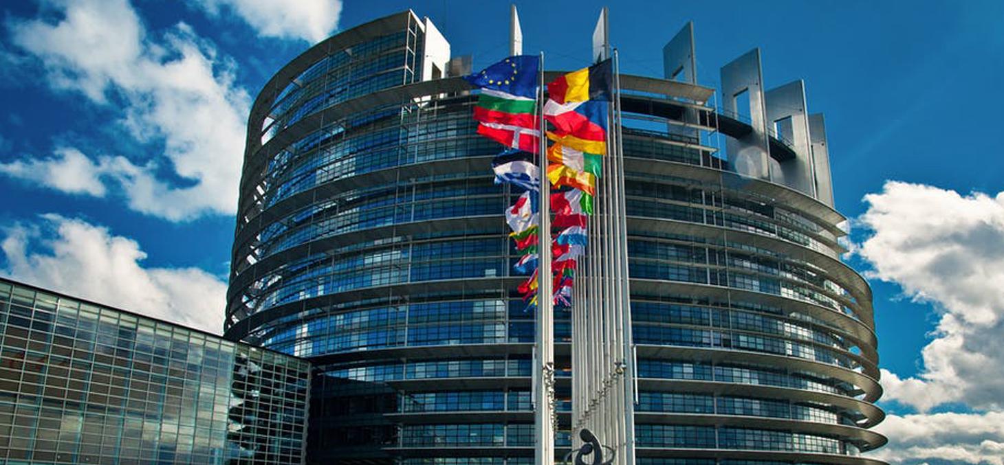 Ce projet s'intègre dans le cadre, à la fois, de sa nouvelle stratégie commerciale et du « Green Deal » (« pacte vert »), visant à faire de l'Europe, d'ici à 2050, le « premier continent neutre en carbone ». Shutterstock